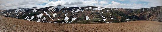 Landmannalaugar snowy hills