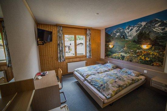 Orsieres, สวิตเซอร์แลนด์: Hôtel Terminus, Orsières ~Côté Poste, Chambre double