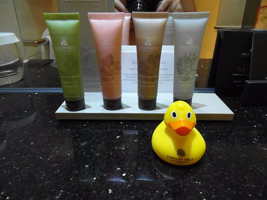 Oakley, UK: Even a duck for bath time!