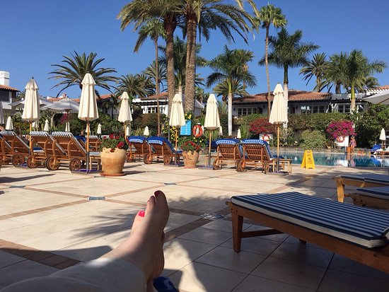 Seaside Grand Hotel Residencia: Beautiful room, great food, restful pool area and of course afternoon tea