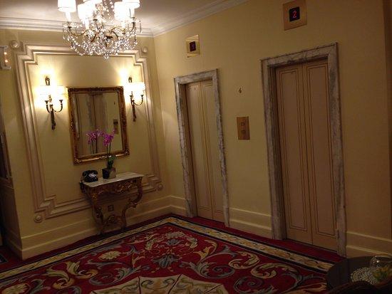 Hotel Ritz, Madrid: saída dos elevadores