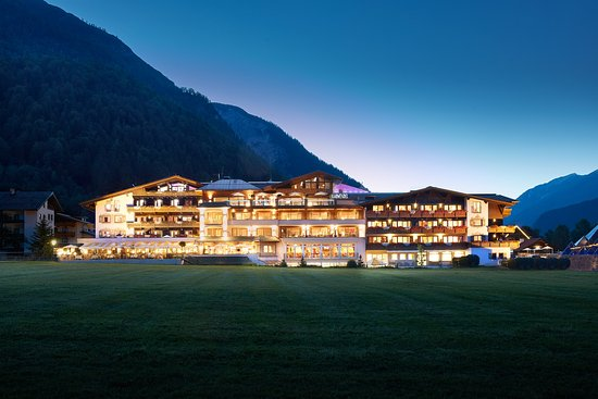 Photo of Alpine Wellnesshotel Karwendel Pertisau
