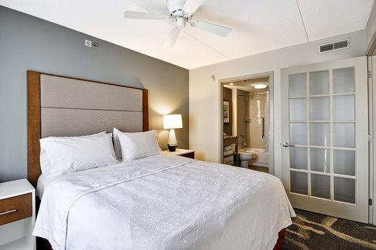 Homewood Suites by Hilton Boston-Peabody: Guest Room