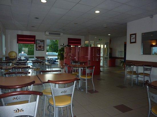 Ace Hotel Riom: Salle petit déjeuner