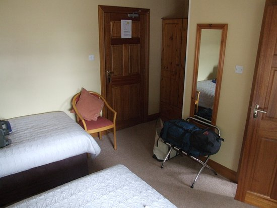 Ballyraine Guesthouse : Large bedroom