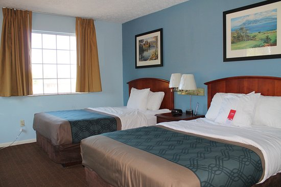 Econo Lodge Inn & Suites South: Guest Room
