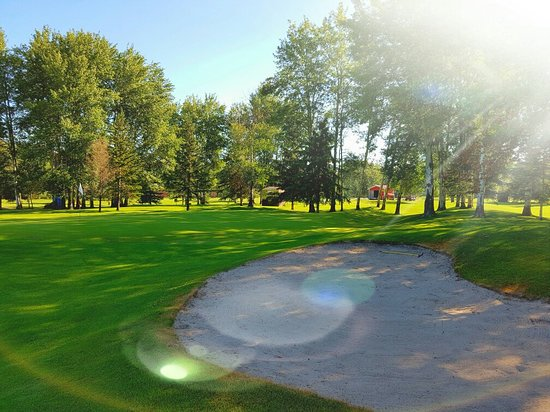 Valleyview, Canadá: What a great day for golf!