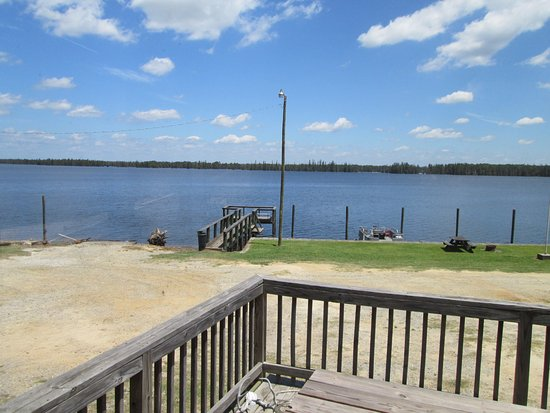 Stumphole Landing: The dock and area with picnic tables