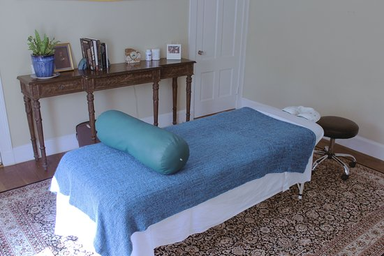 Peterborough, NH: Massage Table