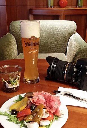Park Hyatt Hamburg: Happy Hour's 6pm - 8pm.