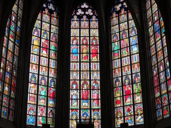 Tournai, Belgique : Красочные витражи XIX в.
