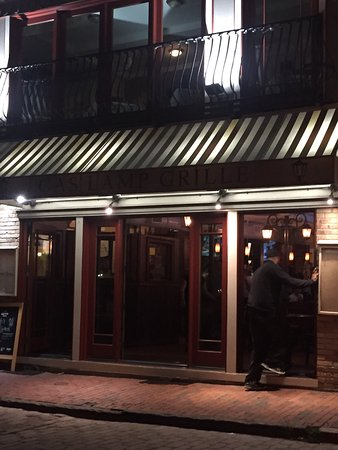The Gas Lamp Grille: photo0.jpg