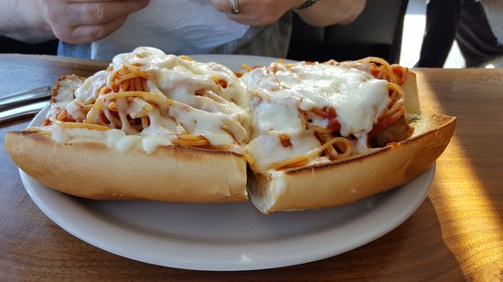 Myerstown, Пенсильвания: This is their unusual but overflowing spaghetti and meatball sub..