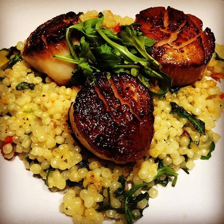 Rocky Hill, CT: Pan Seared Scallops Over Quinoa