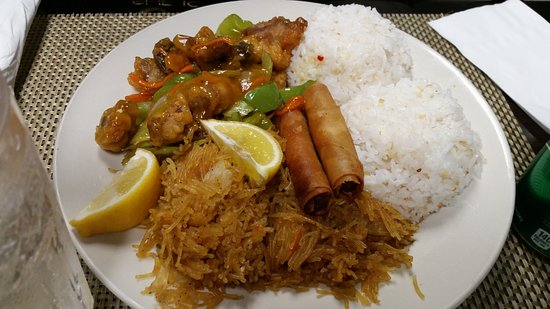 National City, CA: Combination Platter w/ Sweet and Sour Pork