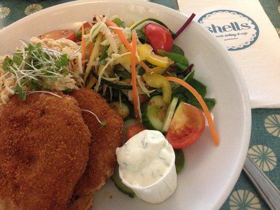 Strandhill, Irlanda: Fish/crab cakes and salad