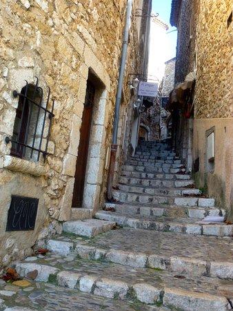 Saint-Paul de Vence: une ruelle... qui monte