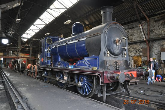 Aviemore, UK: CR 828 in the depot under repair