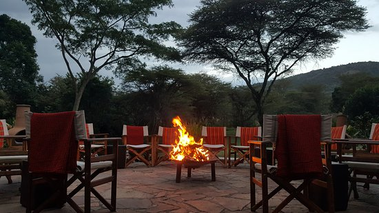 Sekenani Camp: Evening fire pit - a respite prior dinner!
