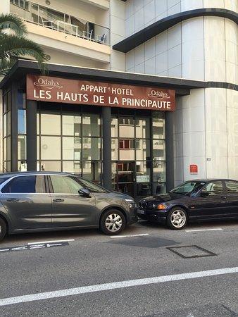 Appart 39 h tel odalys les jardins d 39 elisa beausoleil for Appart hotel menton