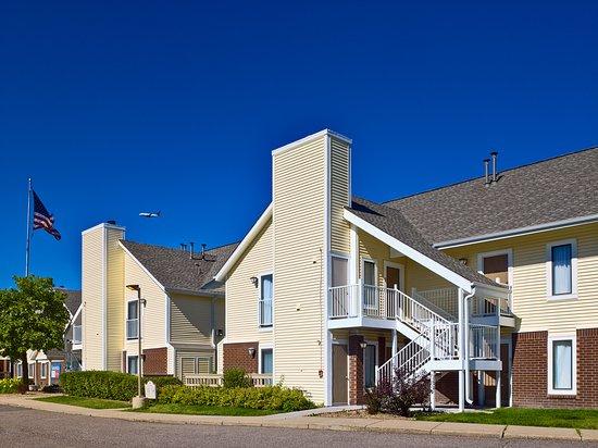 Sonesta ES Suites Omaha: Exterior