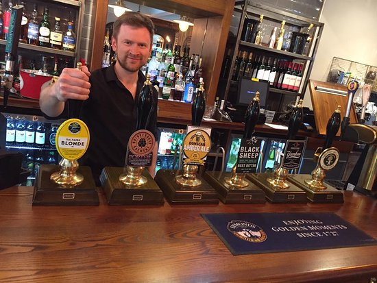 Hebden Bridge, UK: Real ale and a smile