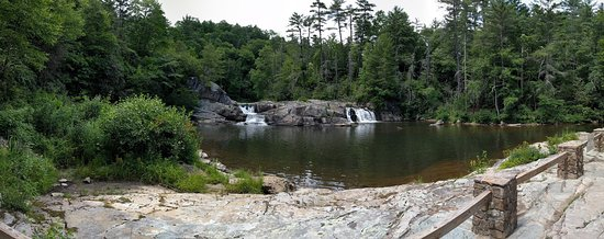 Linville Falls, NC: Pan of the top