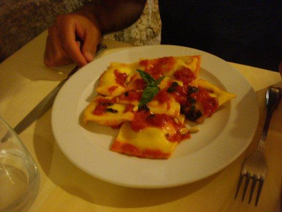Monticchiello, Italia: Raviolis faits maison
