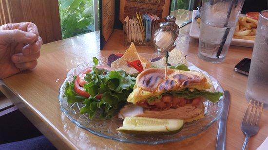 Milford, CT: Club sandwich - the pickles were crisp