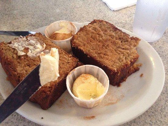 Beth's Cafe: amish cake