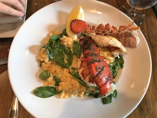 Alpharetta, GA: Lobster Mac & Cheese with Smoked Cheddar