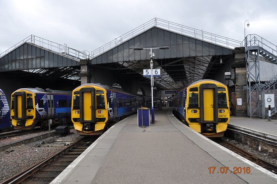 Inverness Railway Station View Towards The Terminus And Buffers All Cl 158 Units