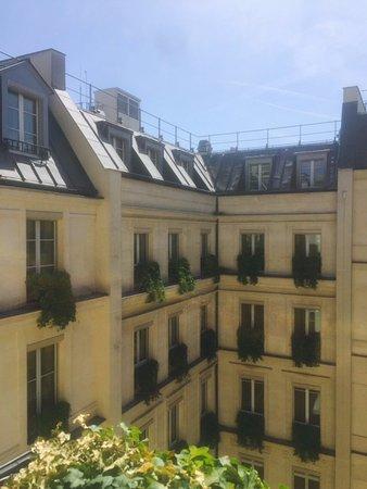 Park Hyatt Paris - Vendome: courtyard view