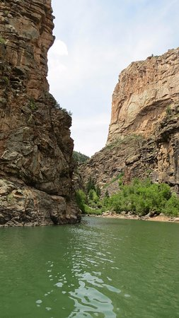 Parque Nacional Cañón Negro del Gunnison, CO: View from the river