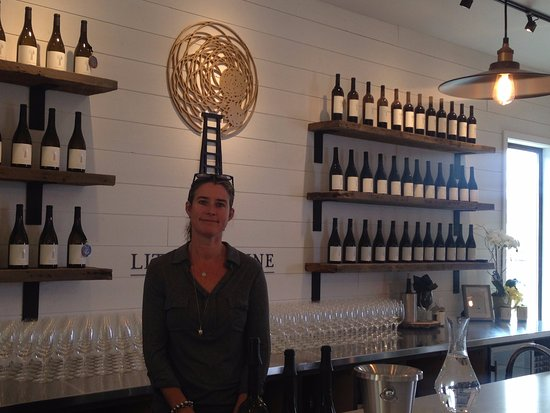 Penticton, Canadá: Nicole - one of the proprieters of the shop