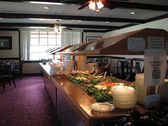 Carriage House Restaurant: Buffet