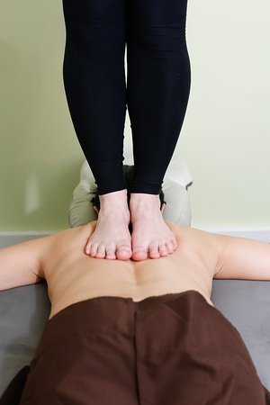Skowhegan, ME: More ashiatsu two foot moves can be done on males or femaies