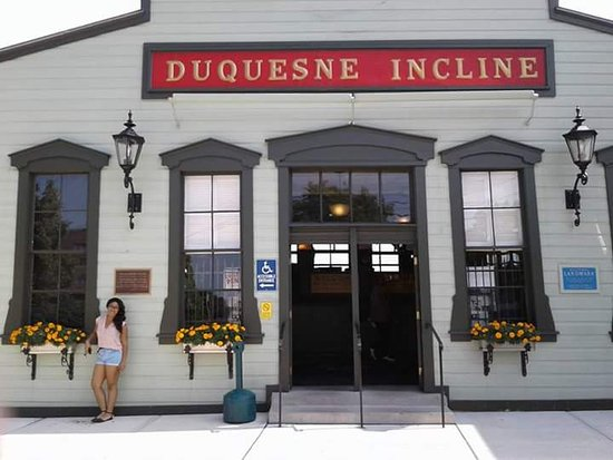 Duquesne Incline: My friend at the top outside the building
