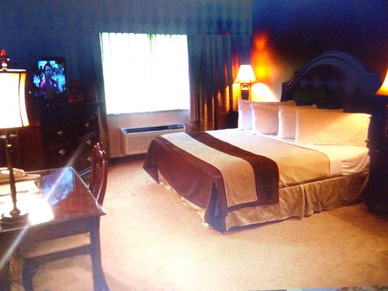 Williamsville, NY: Renovated rooms now