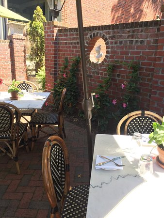 C Street Beautiful Outdoor Dining Es The Courtyard Is My Favorite But It S