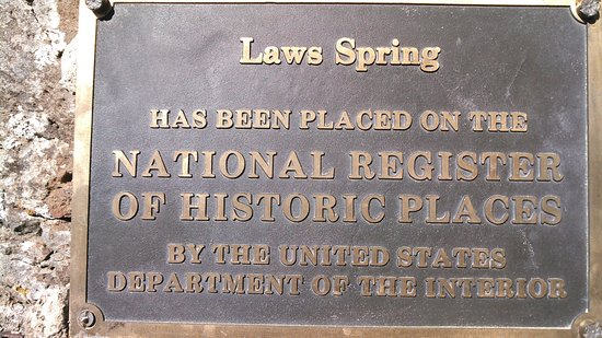 Beale Wagon Road Historic Trail : Plaque at the spring