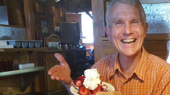Sandpoint, ID: Fresh strawberry pie