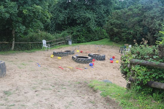 Haverfordwest, UK: The 'beach' area was overgrown with grass