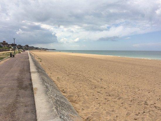 Saint-Aubin-Sur-Mer照片