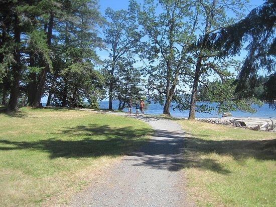Nanaimo, Canada : Shoreline Trail, Newcastle Island