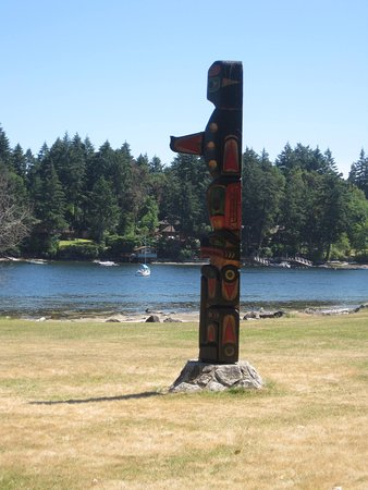 Nanaimo, Canadá: Totem on the Shoreline Trail, Newcastle Island