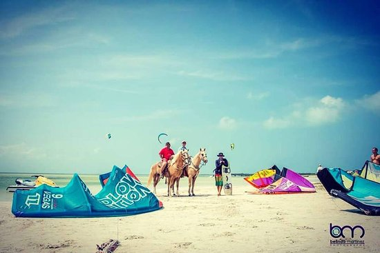 Airlift Kiteboarding Cancun Mexico