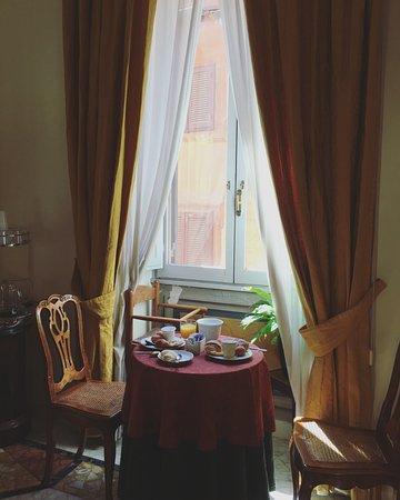 Hotel Fontanella Borghese: Breakfast