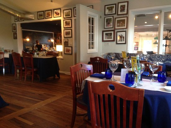 Landrum, Carolina del Sur: Looking toward the bar from the back dining room