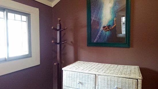 Castillo Surfista Hostel: private twin bed